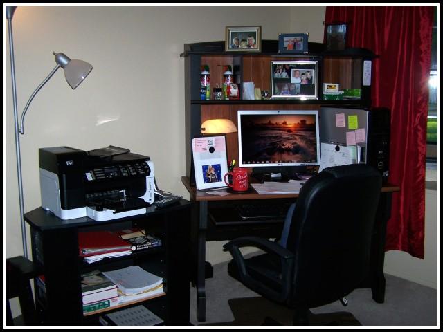 Desk 004